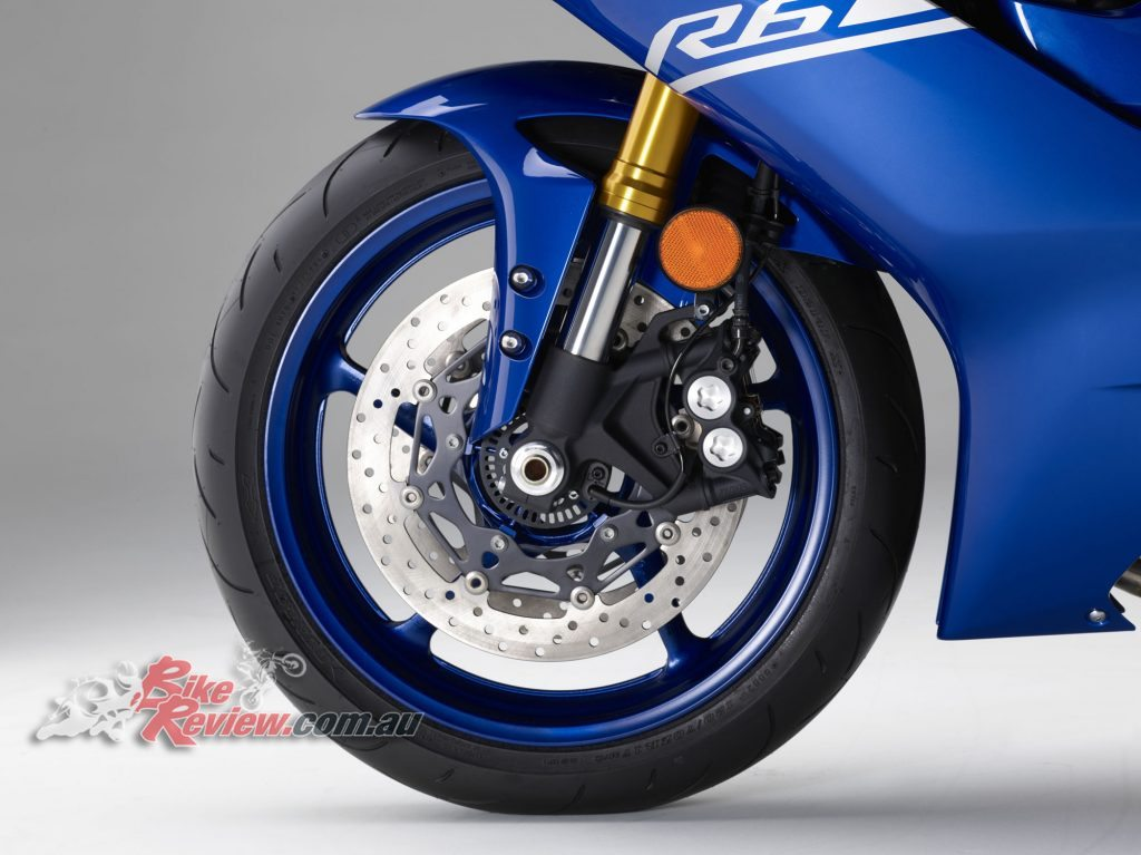 2017 Yamaha YZF-R6, YZF-R1 type forks and front brakes.