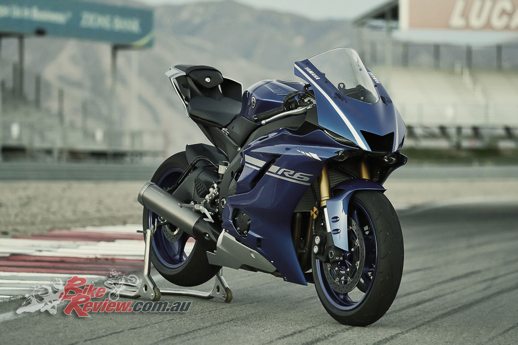 2017 Yamaha YZF-R6 - Updated! - Bike Review