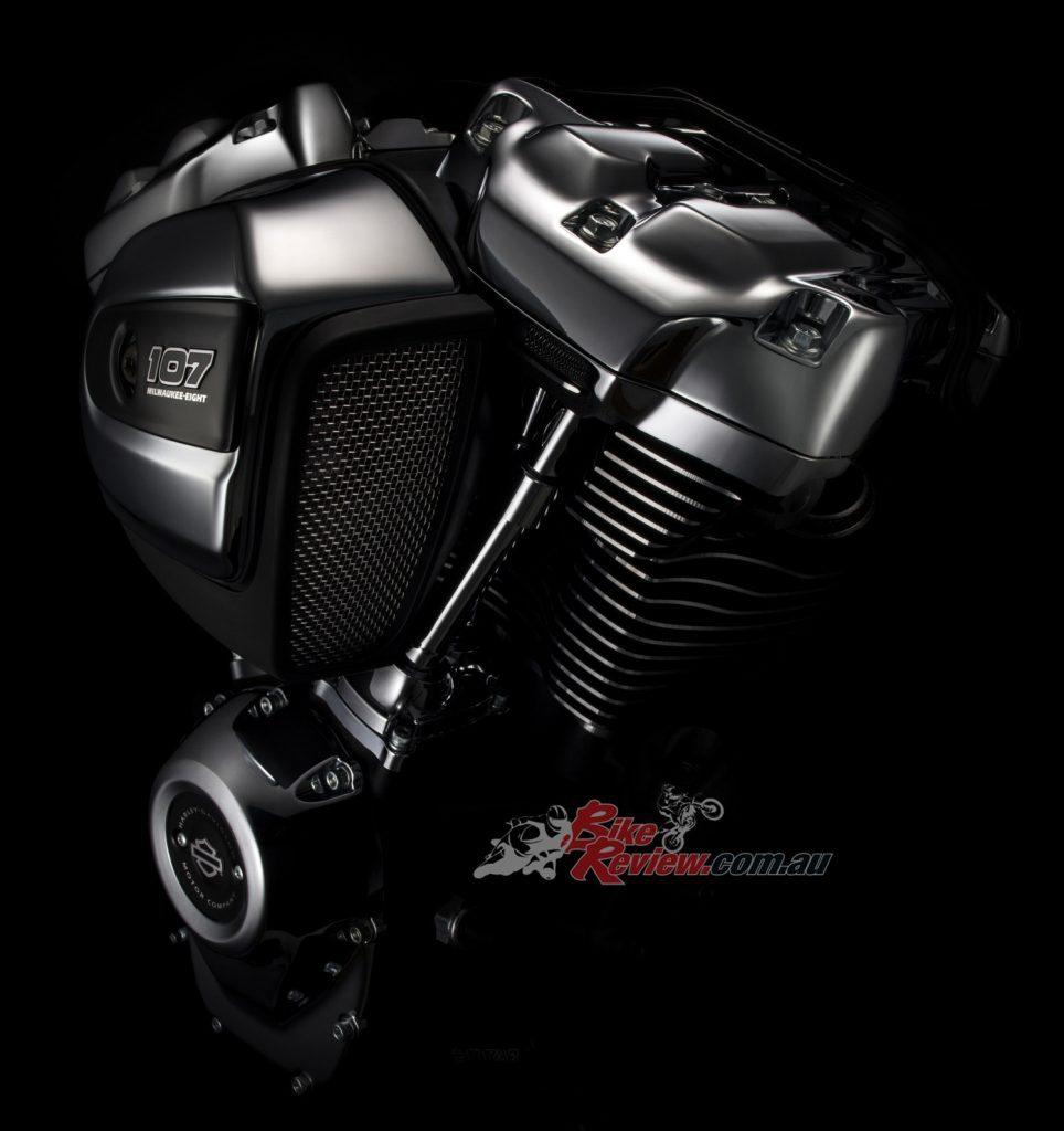 Harley-Davidson-Milwaukee-Eight-Head-Detail