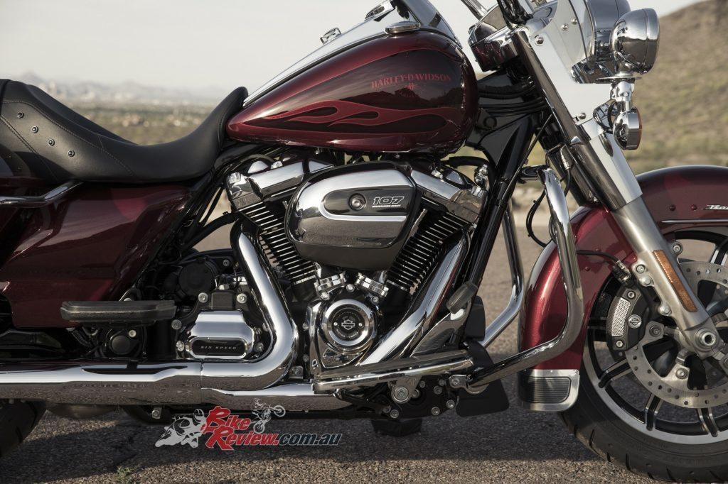 Harley-Davidson-road-king-2