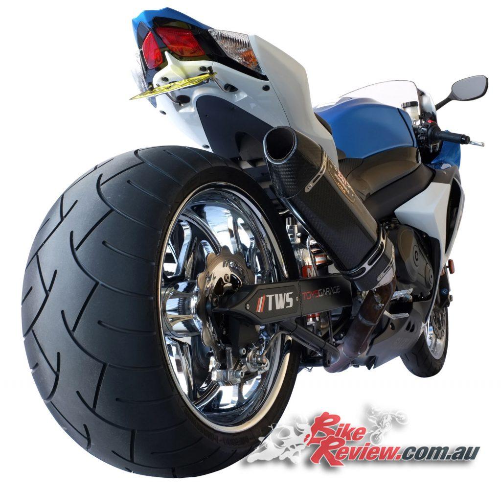 NOS-Suzuki-GSX-R1000-Bike-Review-(15)