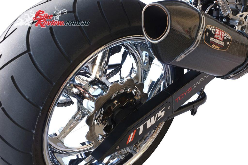 NOS-Suzuki-GSX-R1000-Bike-Review-(31)