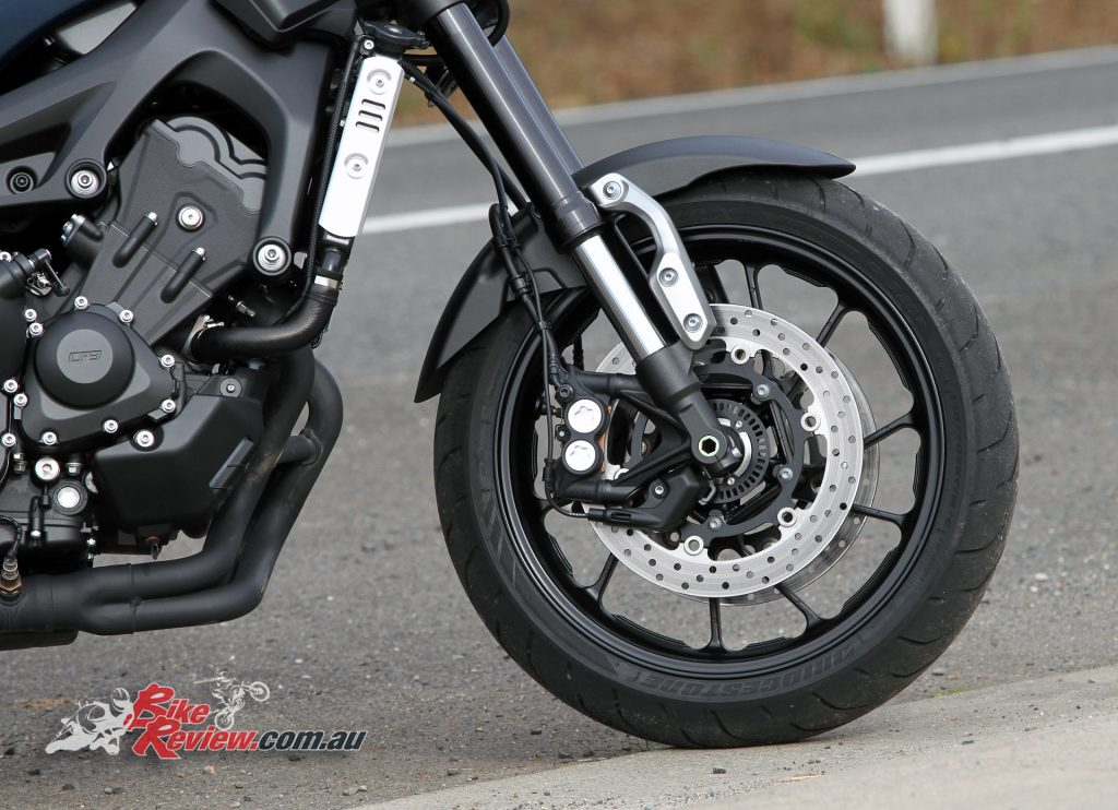 2016 Yamaha XSR900 - Dual 298mm front rotors, four-piston calipers, ABS