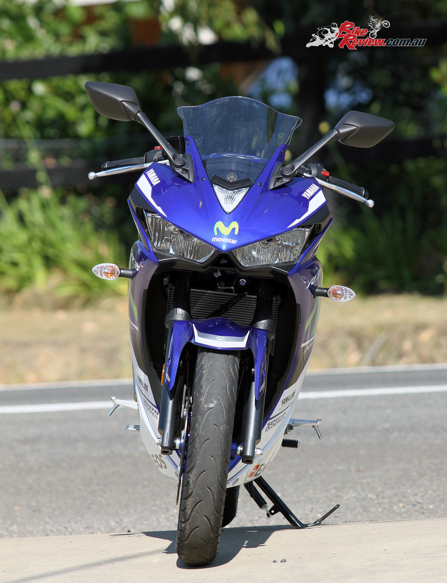 Review: 2016 Yamaha YZF-R3 Movistar MotoGP Replica - Bike Review