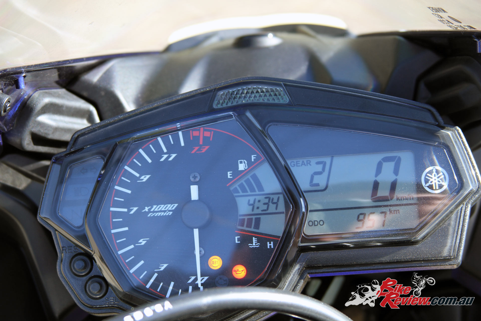 2016 Yamaha YZF R3 Analogue Tachometer Digital Multi Function Display With Gear Indicator