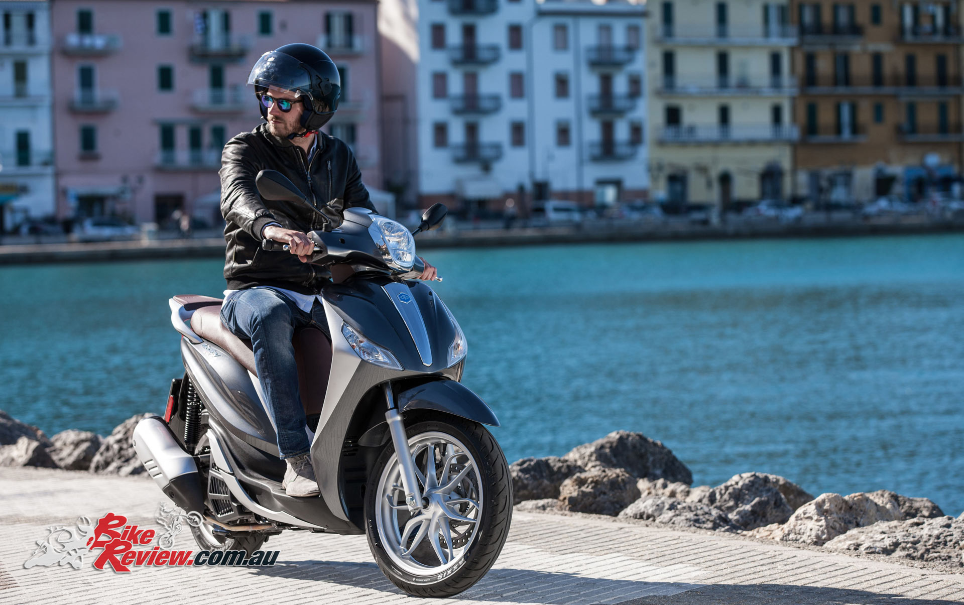 new piaggio medley 150 i-get - bike review