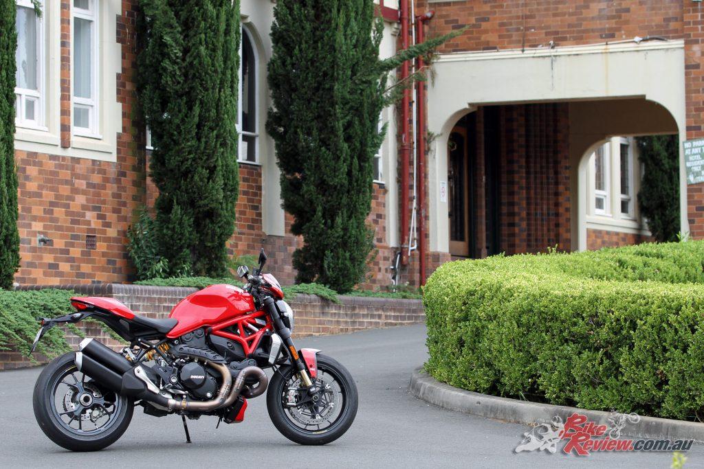 2016 Ducati Monster R