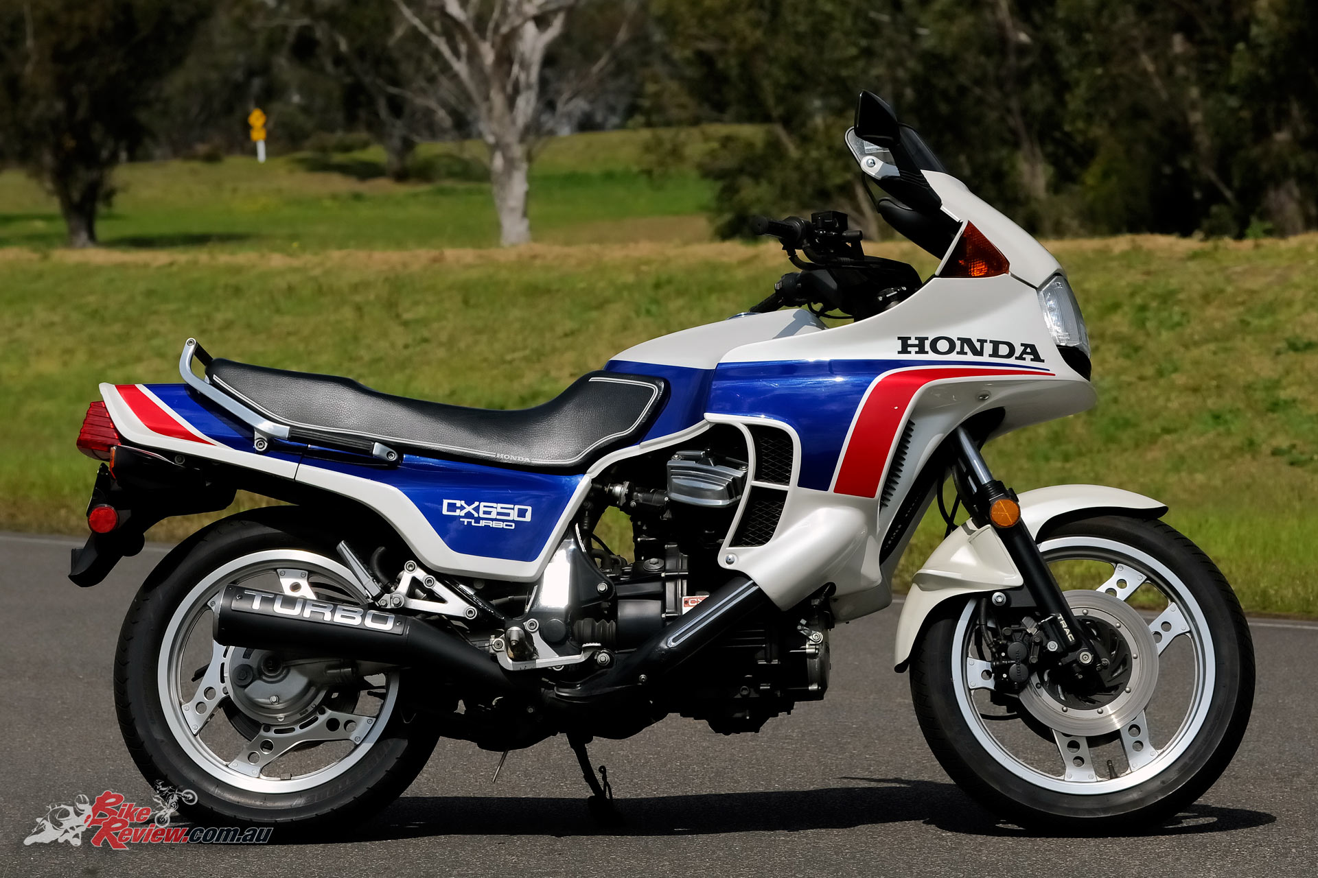 The CX650 replaced the 500 just 12-months after the 500 was released. Fundamentally the same chassis, the 650 has uprated brakes and revised suspension as well as a broader spread of power. The ultimate sports tourer, aimed squarely at the American market and only sold in the USA.