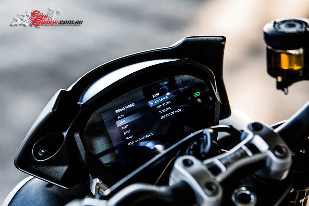 2017 Triumph Street Triple RS - 5in TFT colour display