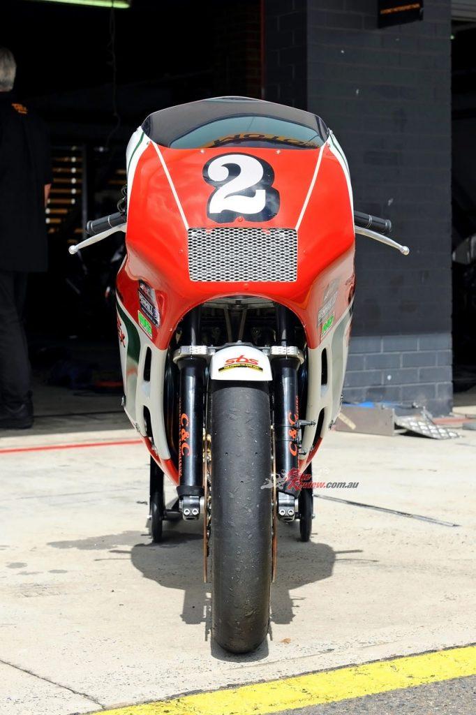 BikeReview Bimota YB520160317_1196