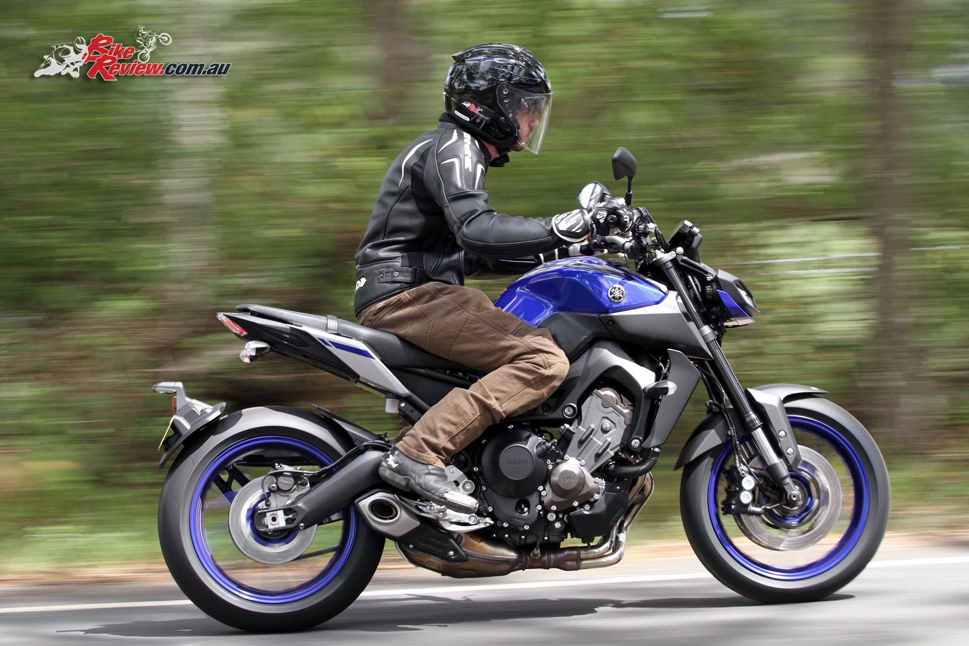 Review 2017 yamaha mt 09 bike review for Yamaha mt 200