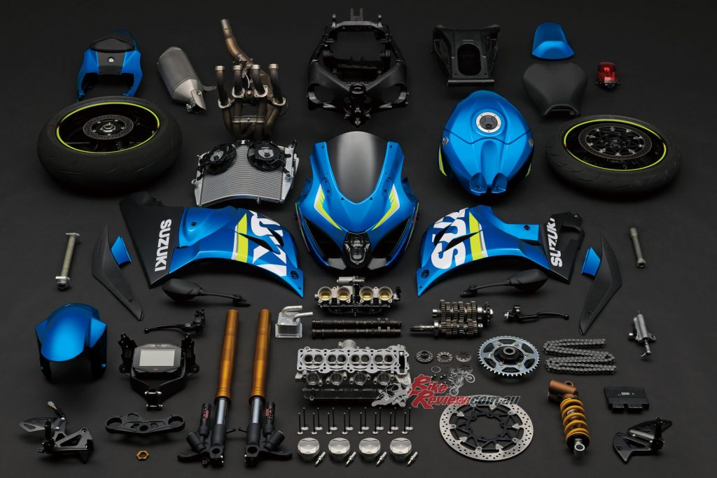 BikeReview 2017 Suzuki GSX-R1000R20151020_1336