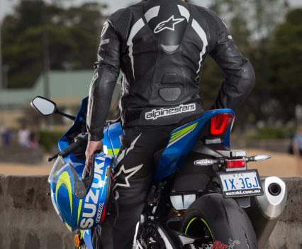 BikeReview 2017 Suzuki GSX-R1000R20170201_1351