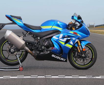 BikeReview 2017 Suzuki GSX-R1000R20170204_1328