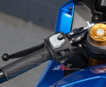 BikeReview 2017 Suzuki GSX-R1000R20170204_1356