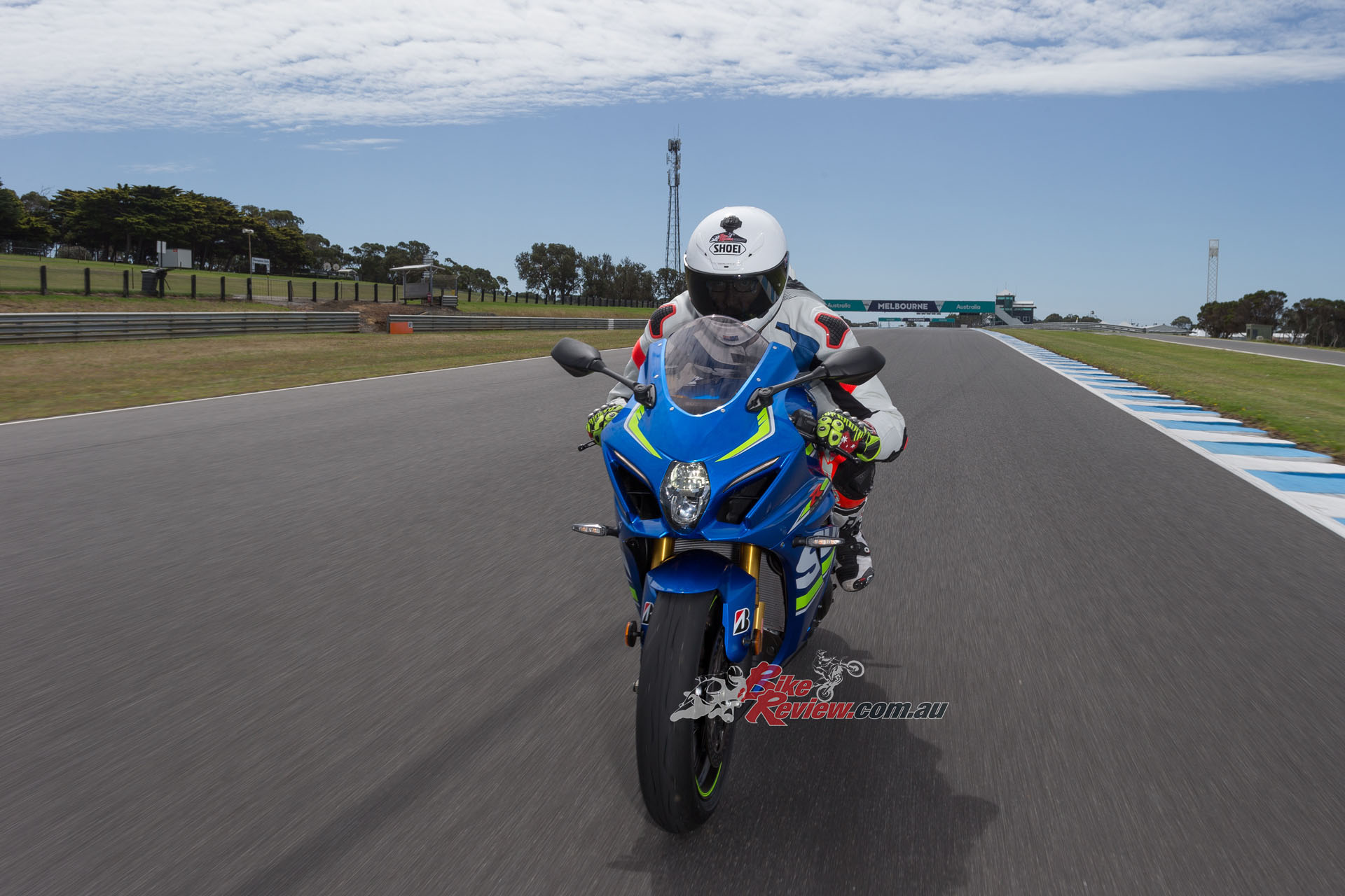 I topped out at 290km/h on the GSX-R1000R as I had to roll off early due to my injured right knee, however, some of the other journalists got as high as 295km/h.