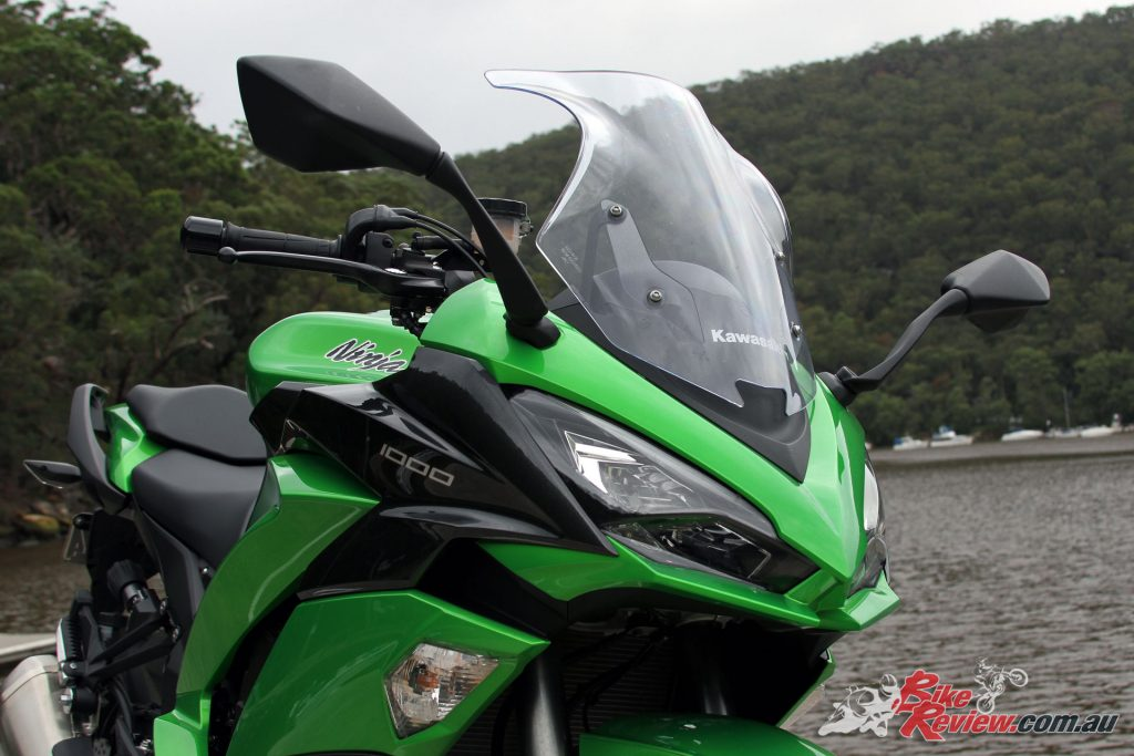 2017 Kawasaki Ninja 1000 - The double bubble-screen now offers better wind protection and remains three-way adjustable, by hand