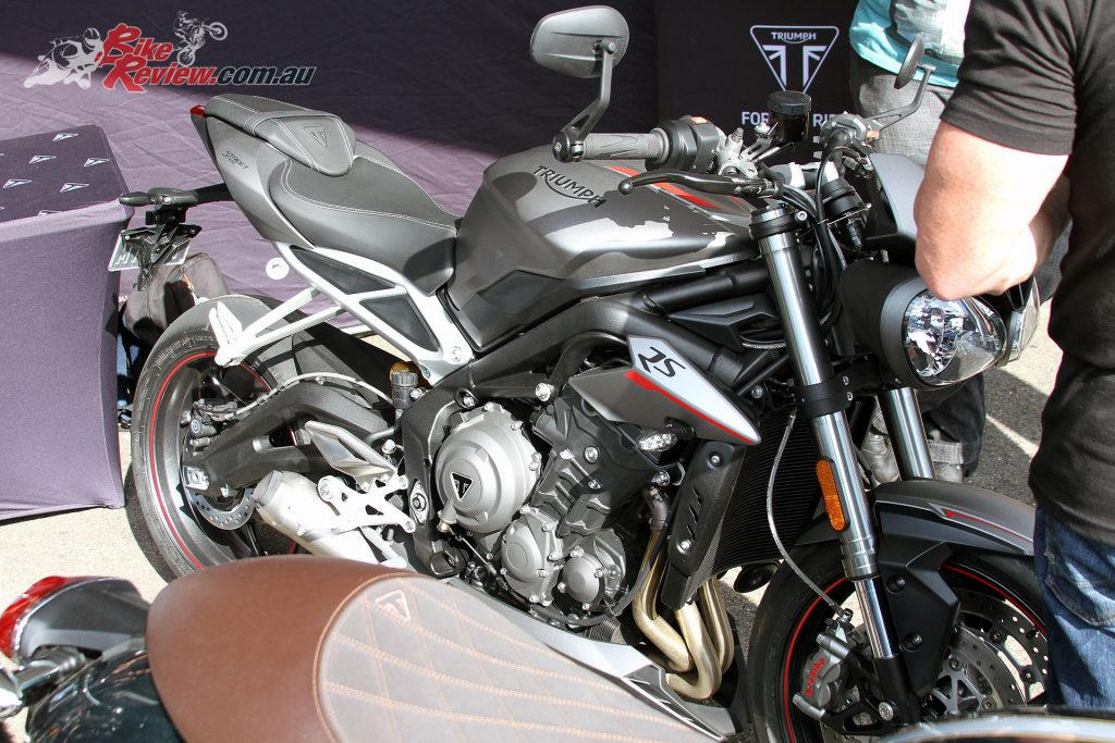 2017 Throttle Roll - Triumph's new for 2017 Street Triple 765 RS