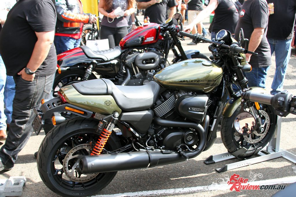 2017 Throttle Roll - Harley-Davidson Street Rod 750