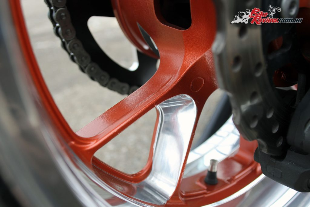 Custom Pro-Tune nine-second Kawasaki ZX-14 - The rear wheel has been specially painted and polished