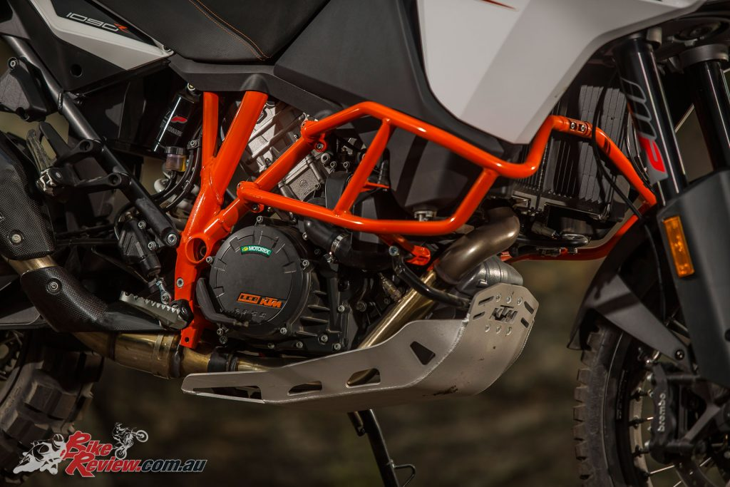 The 1090 Adventure R offers a smaller capacity engine with 125hp