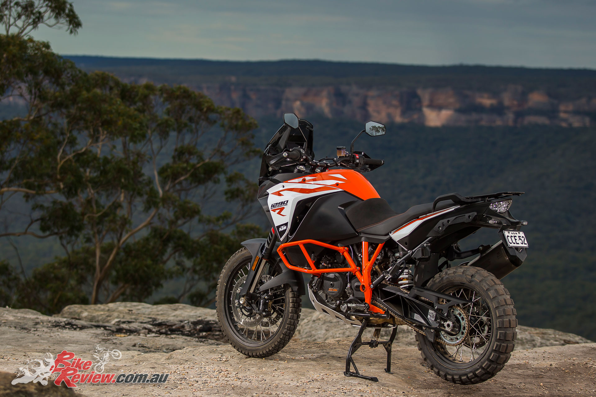 launch 2017 ktm adventure models 1290 s r 1090 r bike review. Black Bedroom Furniture Sets. Home Design Ideas