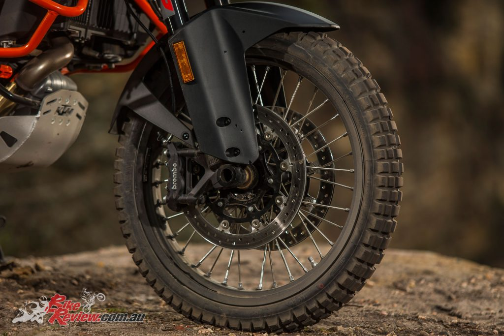 The 1290 R features the larger 21in wheel and a taller seat height and feels noticeably larger