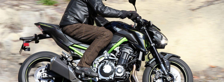 2017-Kawasaki-Z900-Bike-Review-103