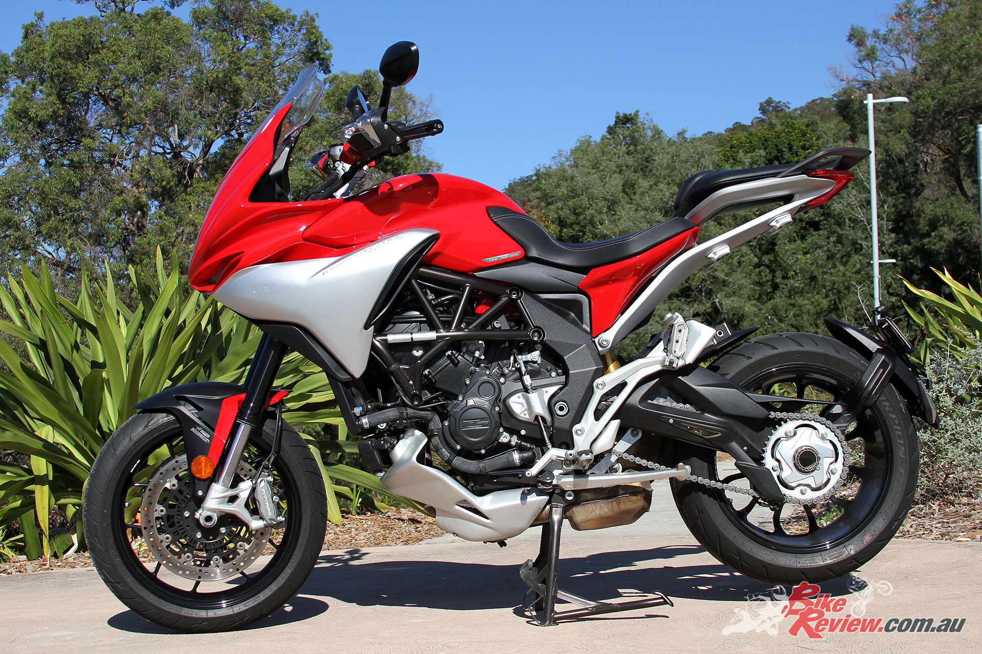review: 2017 mv agusta turismo veloce lusso - bike review