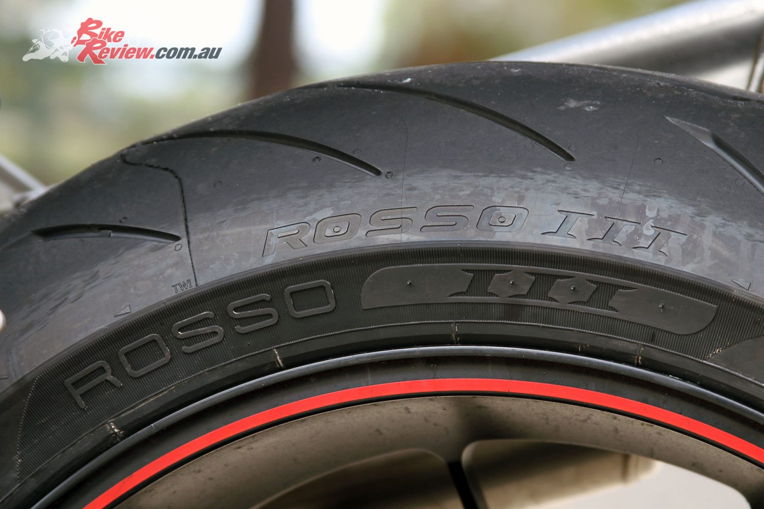 tyre test pirelli diablo rosso iii first impression. Black Bedroom Furniture Sets. Home Design Ideas