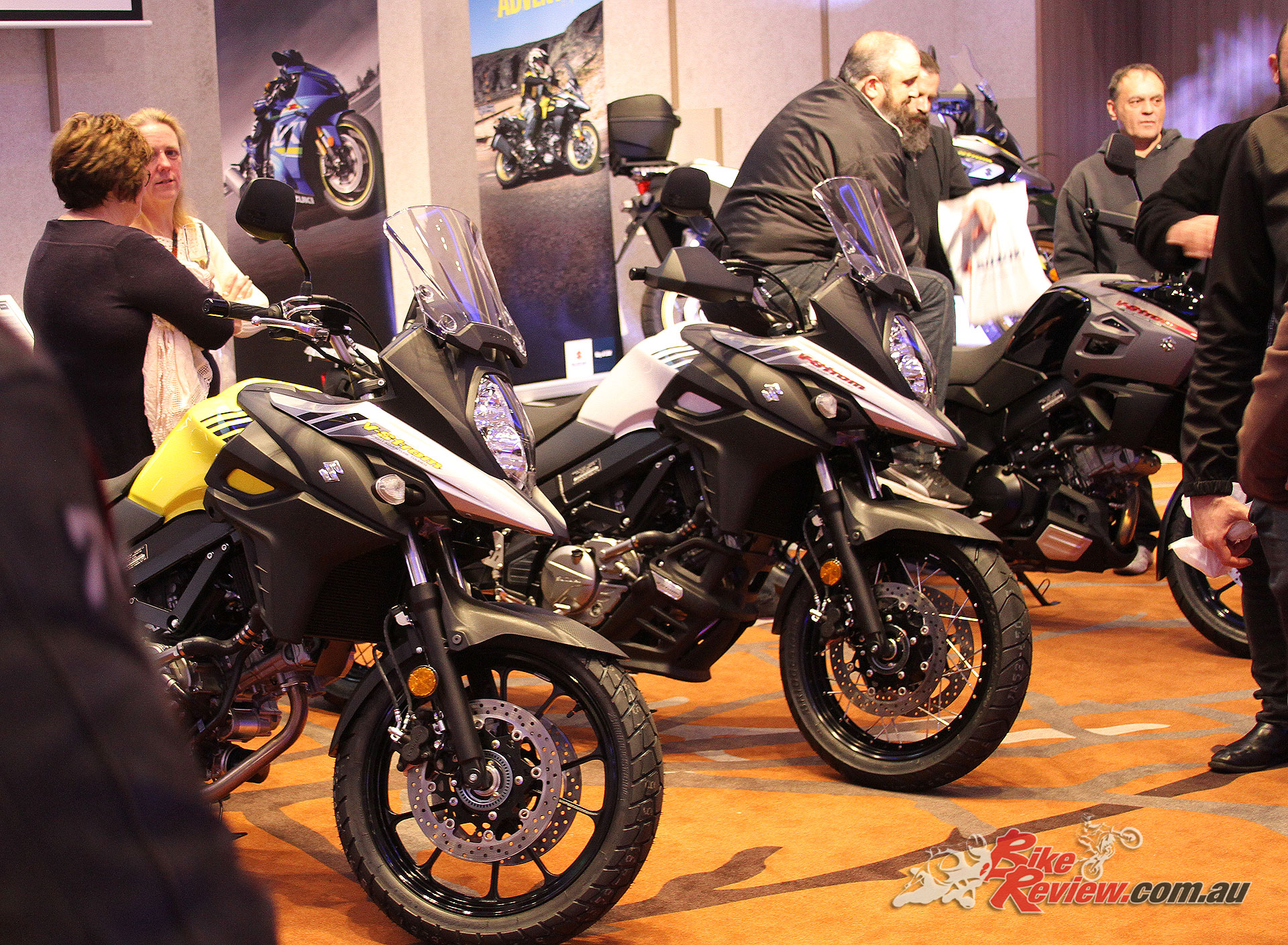 A good opportunity to check out the different ergonomics between the V-Strom models