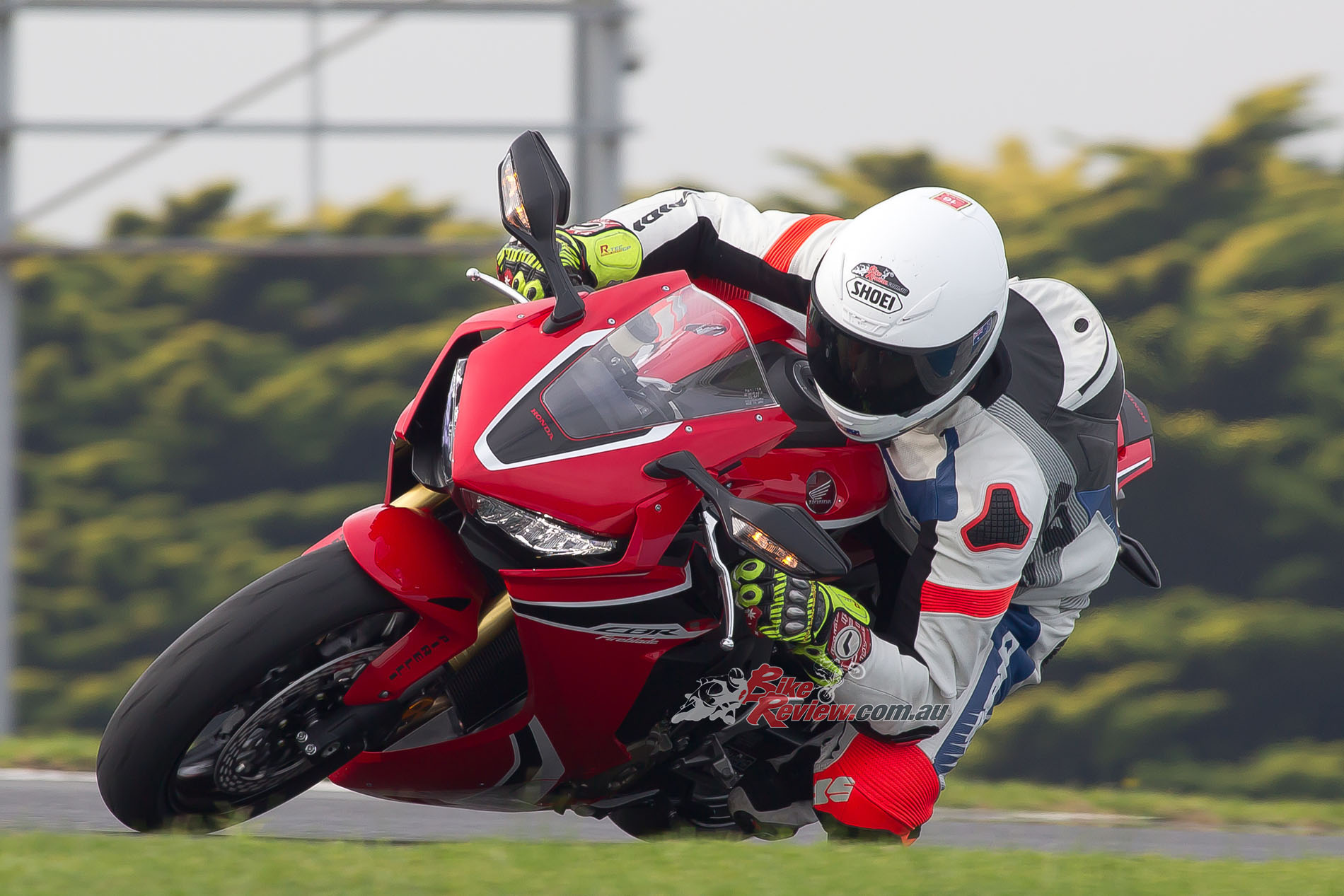 Review 2017 Honda Cbr1000rr Fireblade Launch Track Test Bike Cbr 1000rr Wiring Diagram The Has Same Sweet Chassis Geometry Numbers As Before But Thanks