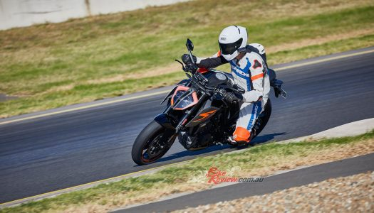 Video Review: 2017 KTM 1290 Super Duke R