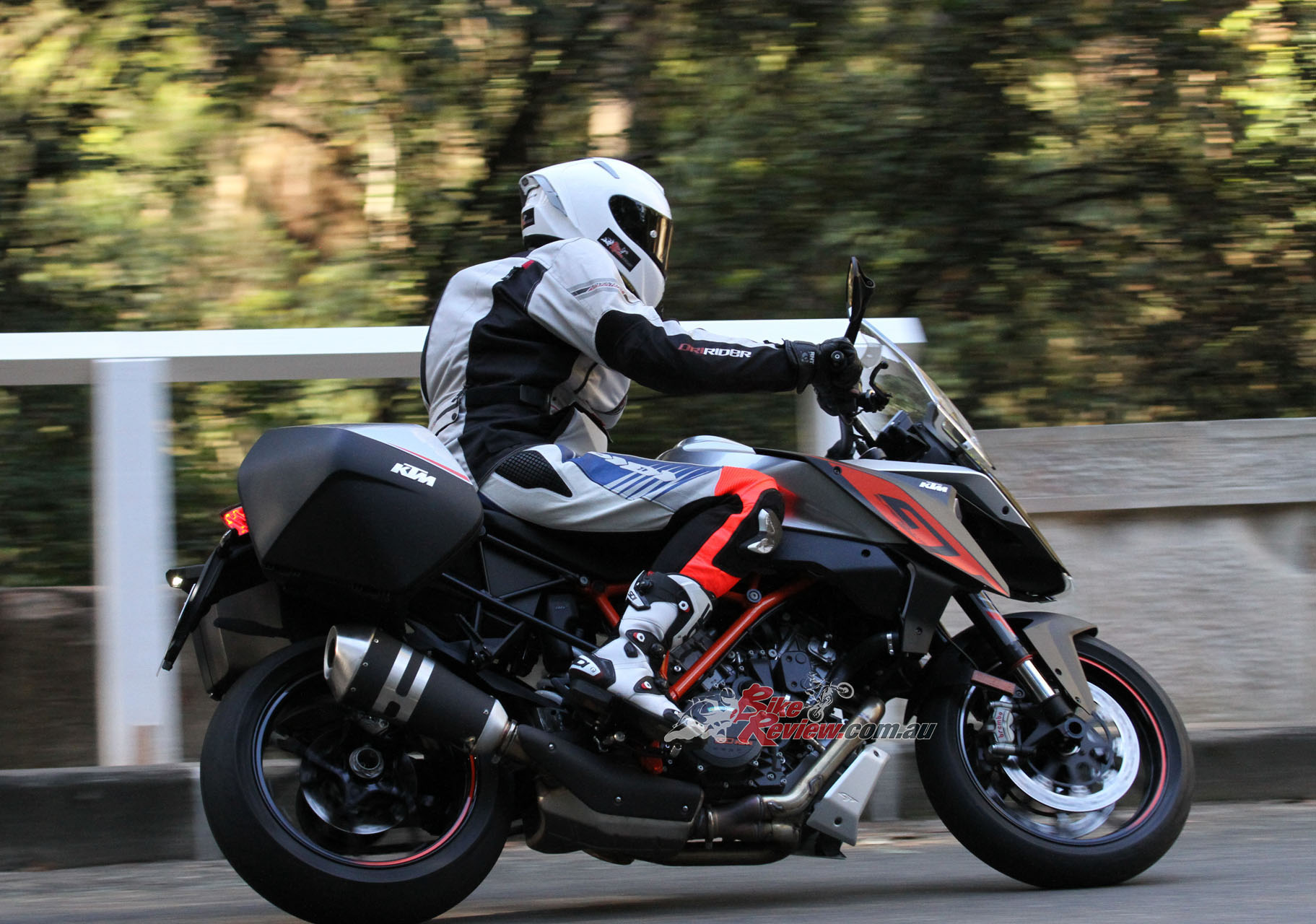 Ktm 1290 Super Duke R >> Video Review: KTM 1290 Super Duke GT - Bike Review