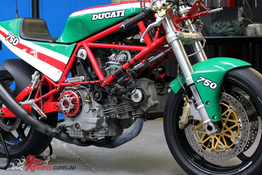 Shiowa forks, Marchesini wheels, Brembo brakes, DS1000 engine meets old school TT2.