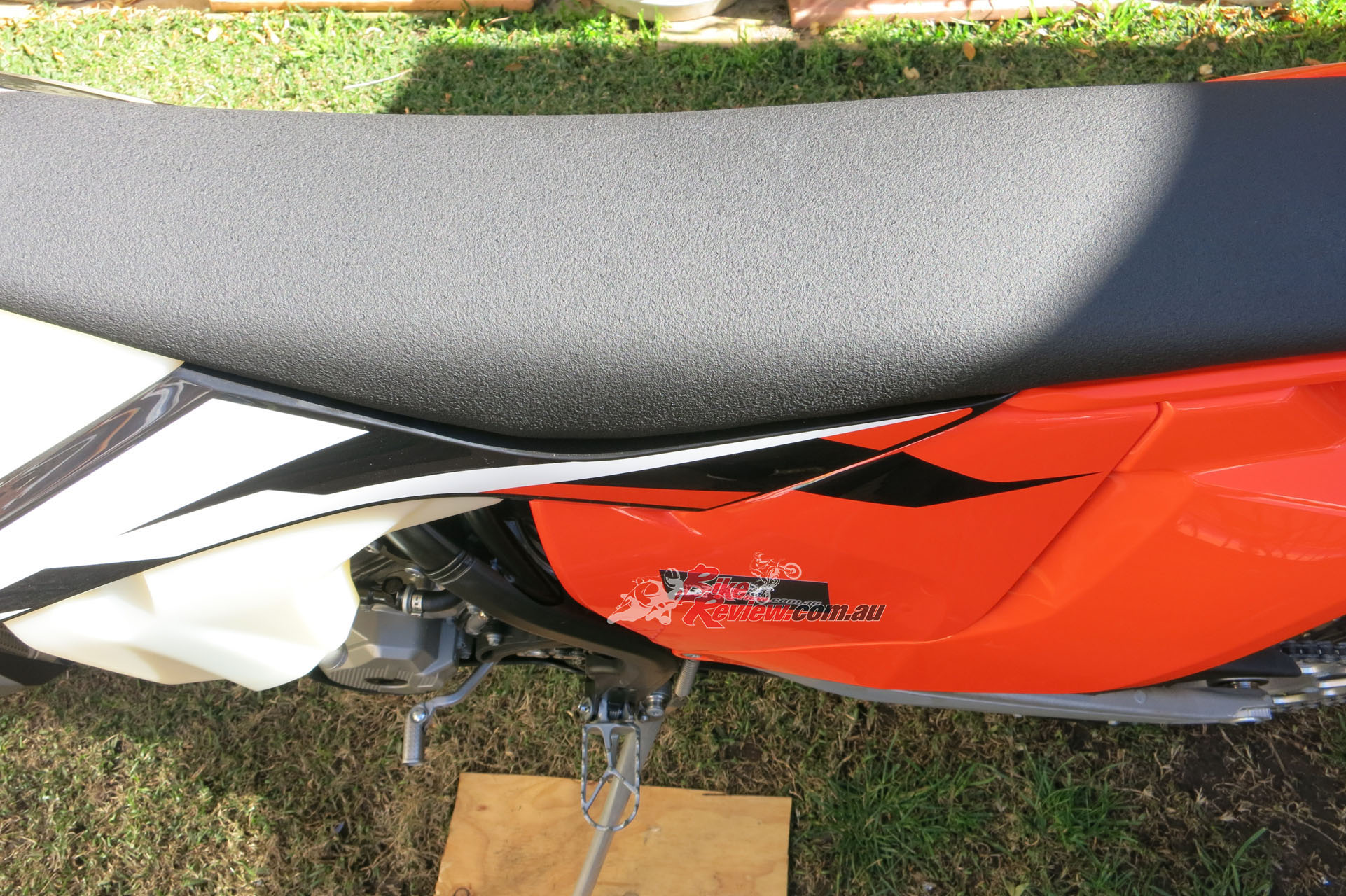 The 350 EXC-F's seat is more slippery than what Mark is used to but he runs a Selle Dalla Valle seat cover from KTM