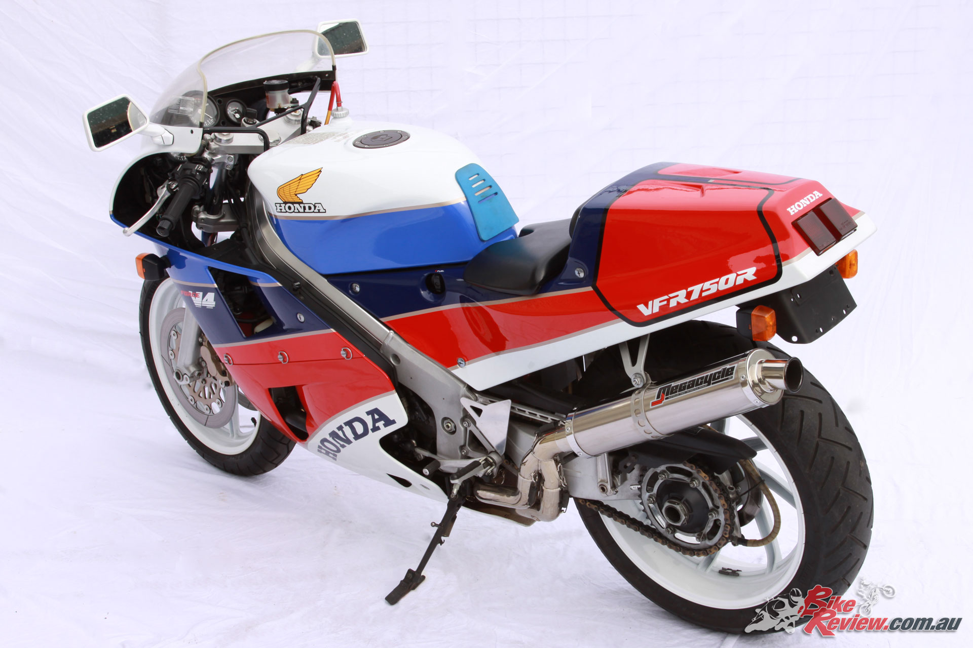 Classic Collectable Honda Vfr750r Rc30 Bike Review