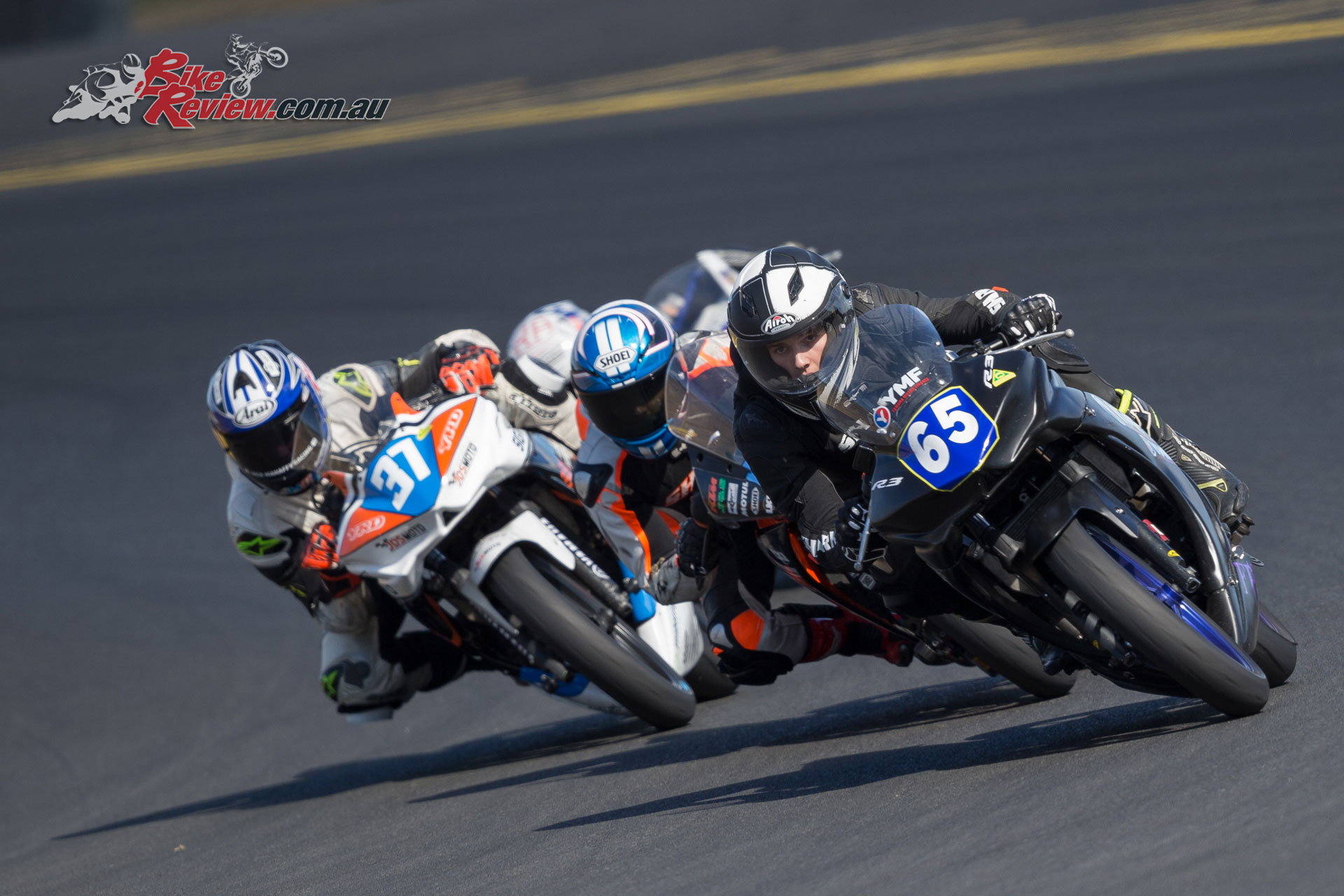 Supersport 300 battle