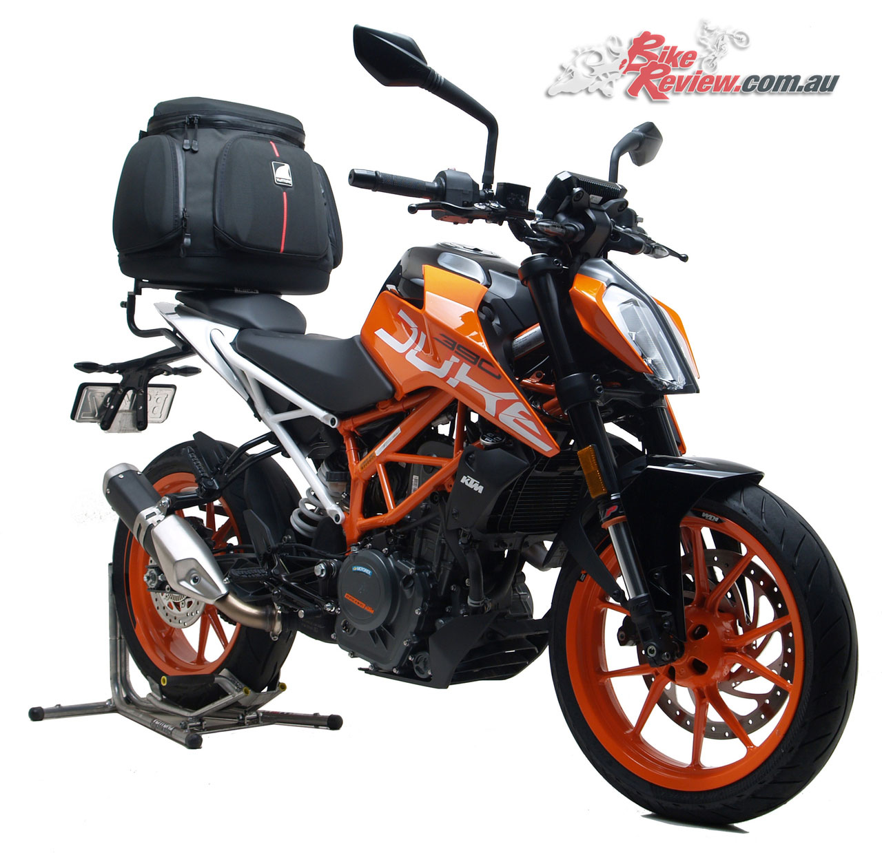 Ventura Mistral Mistral 47L Touring Kit on the KTM 390 Duke