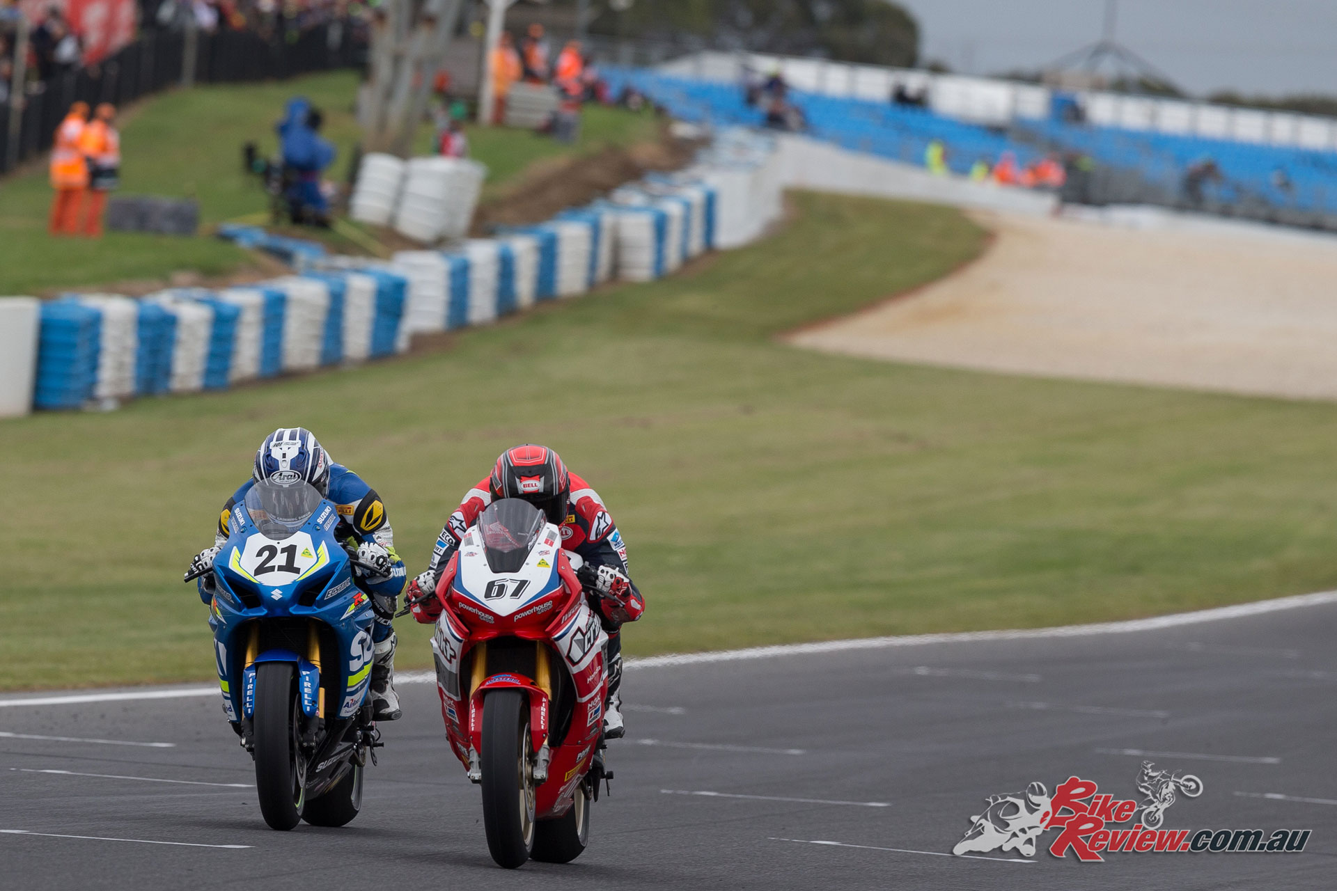 Josh Waters and Bryan Staring battle it out - Image by Andrew Gosling/tbgsport