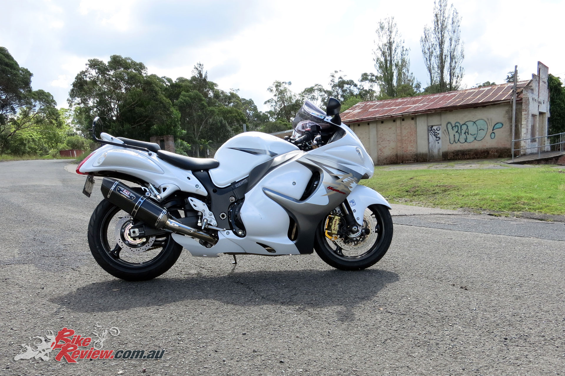 in review: suzuki hayabusa (2013-2018) - bike review