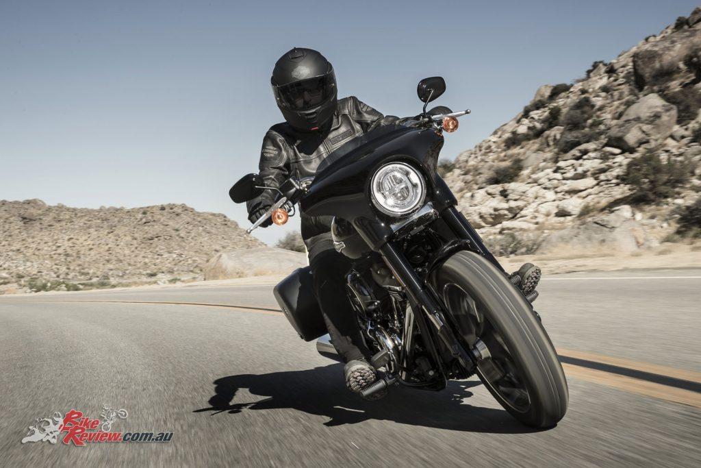 2018-Harley-Davidson-Sport-Glide-FLSB-2