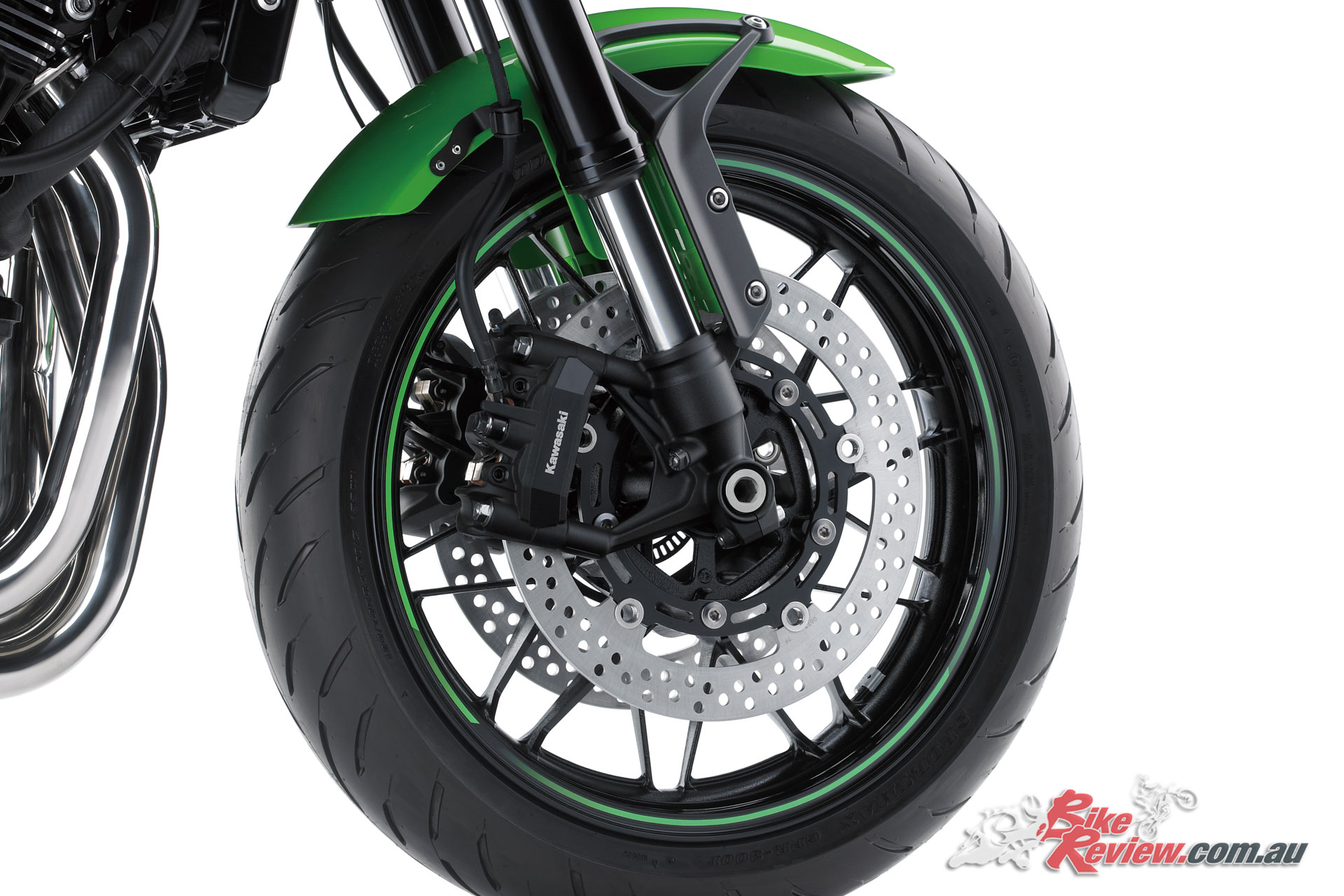 300mm front rotors are joined by four-piston radial calipers