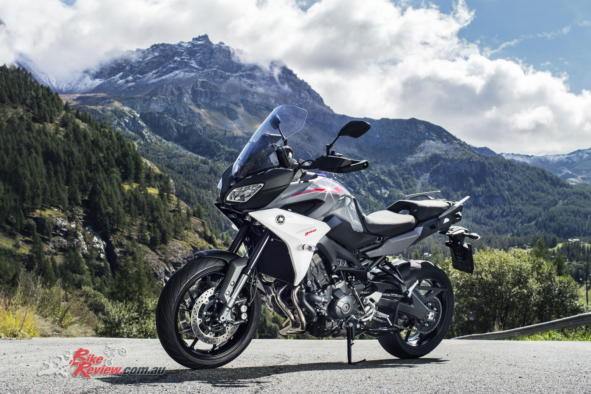 yamaha unveil new tracer gt mt 09 sp at eicma bike review. Black Bedroom Furniture Sets. Home Design Ideas