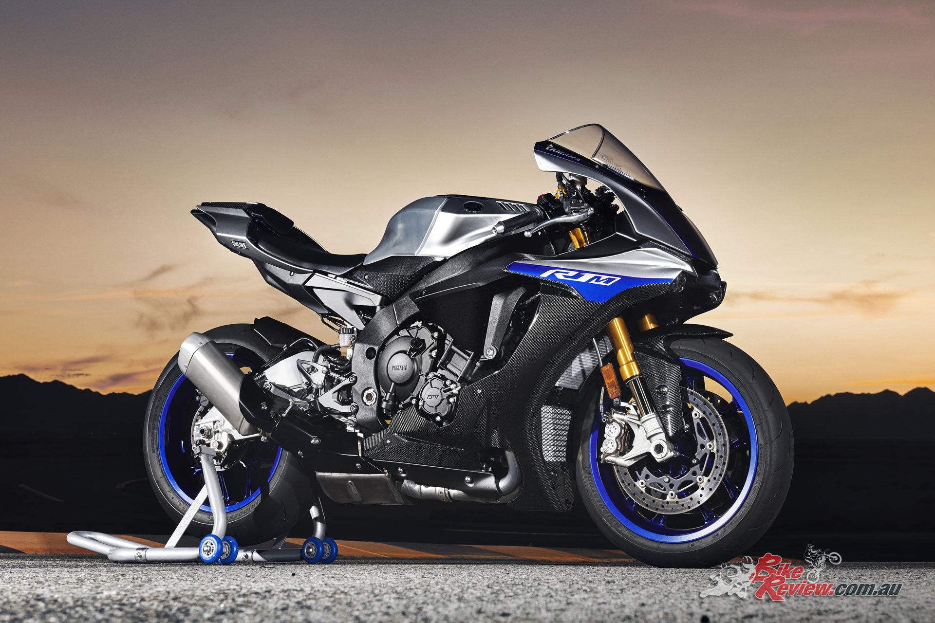 The Yamaha YZF-R1M receives an update for 2018