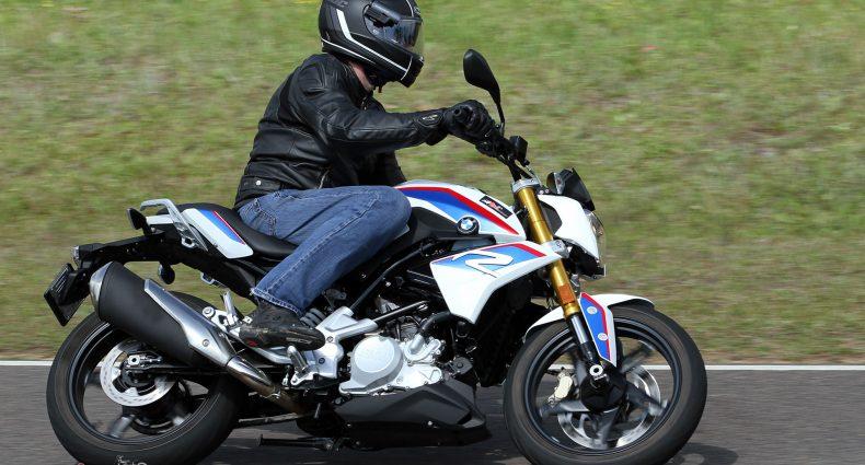 2017-BMW-G-310-R-Bike-Review-9796
