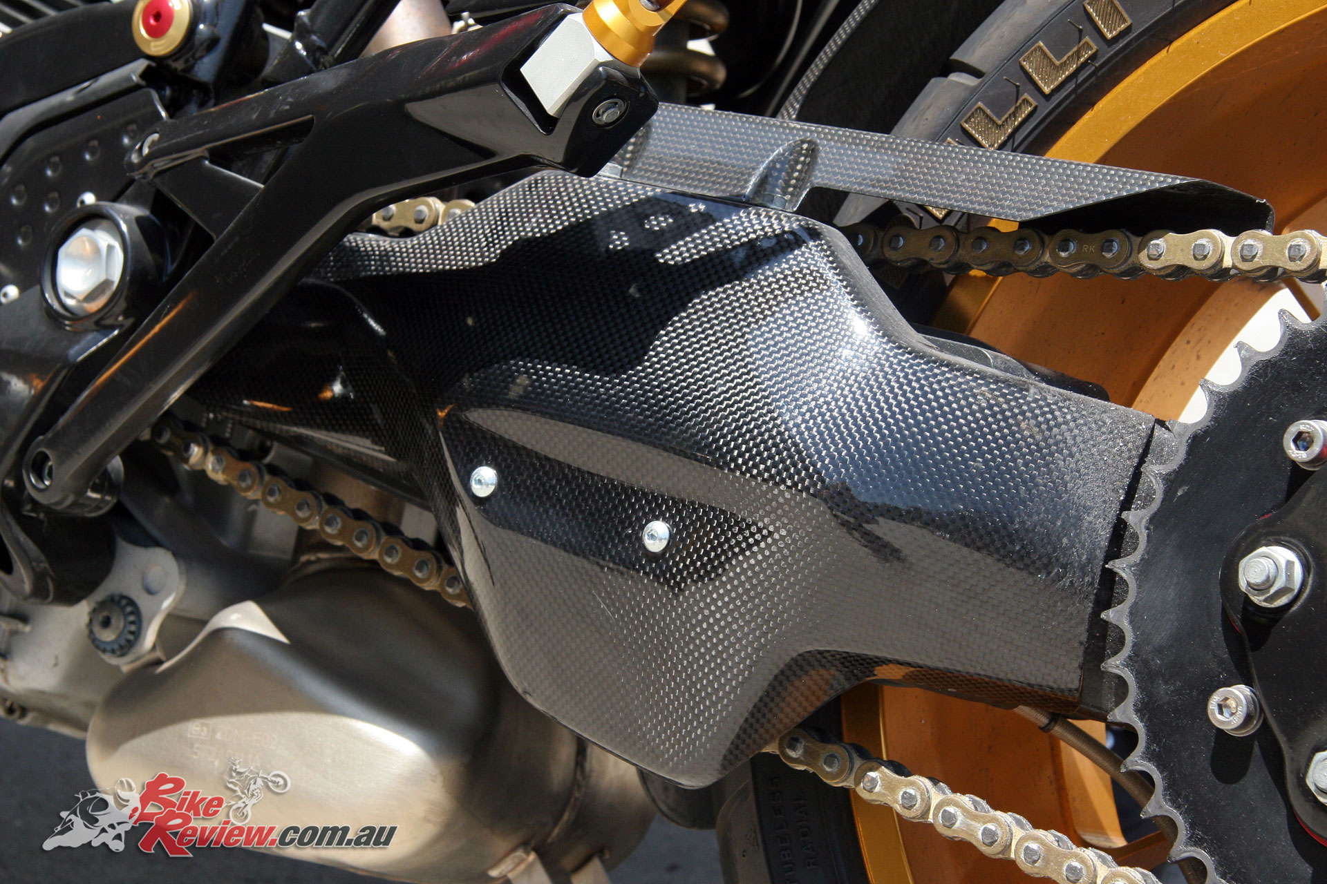 The standard swingarm was joined by a carbon-fibre cover for good effect