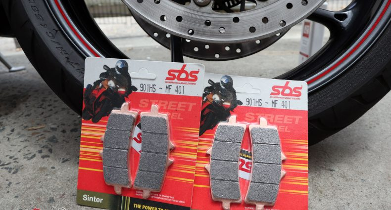 The SBS Street Excel HS Brake Pads - These are the 901HS - MF 401s to suit a Triumph Daytona R (2013-2017)