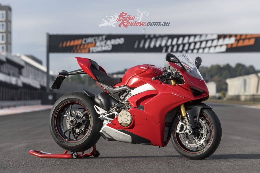 Ducati Panigale V4 World Launch - Bike Review