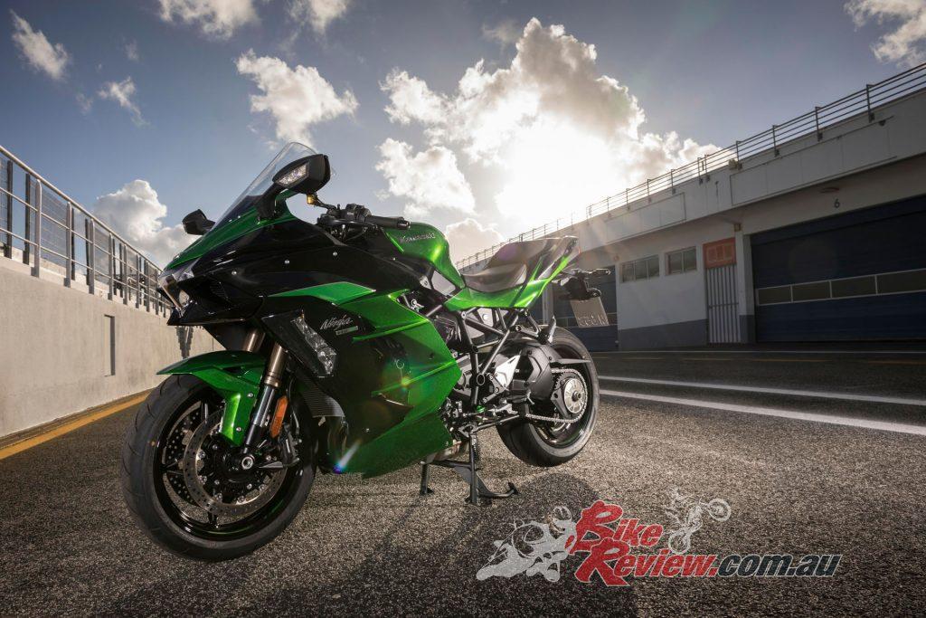 2018 Kawasaki H2 SX SE World Launch BikeReview (23)
